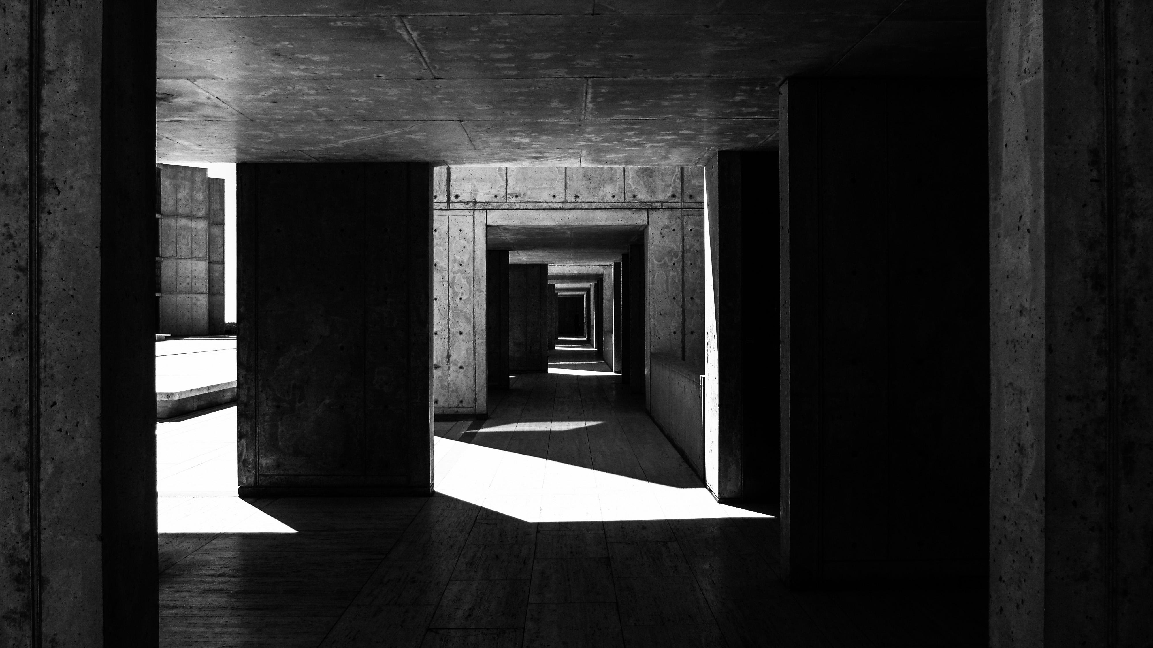 SalkInstitute-Shadow&Light_B&W