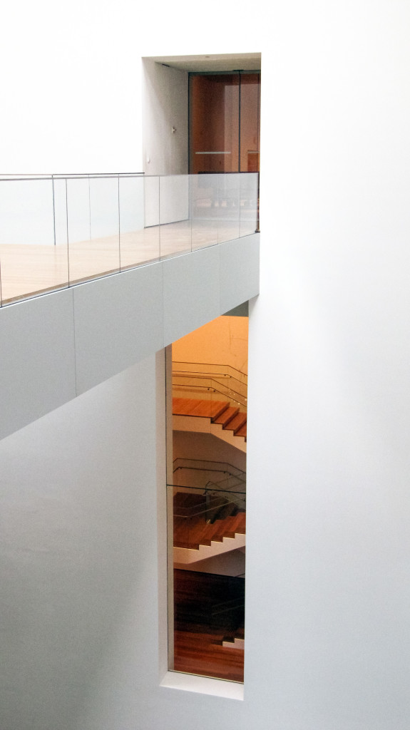 MoMA-Bridge